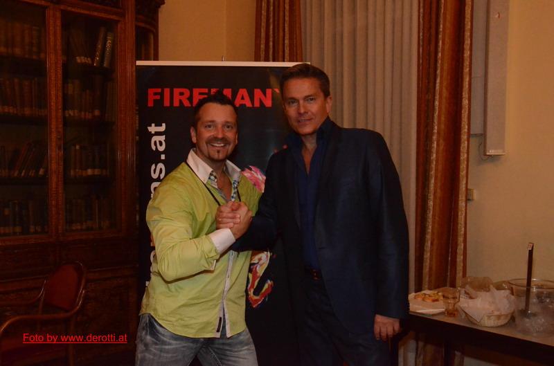 Feuerwehr-Fotograf Otti mit Show-Moderator Alfons Haider
